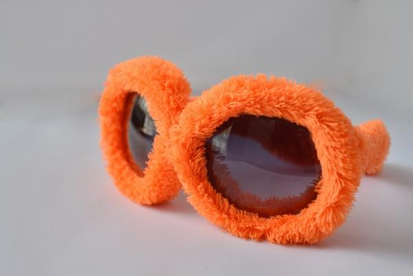 Plüss Rugy Bugy party napszemüveg - narancssárga