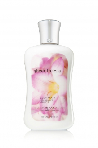 Bath&Body Works Bath&Body Works - Tělové mléko SHEER FREESIA 236 ml