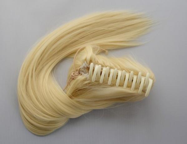 Culík z umělých vlasů se skřipcem - blond