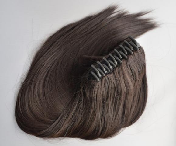 Culík z umělých vlasů se skřipcem - tmavě hnědý